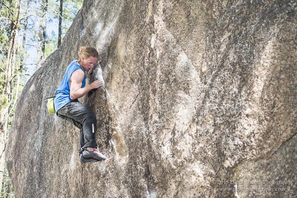 Niiken Daniels bouldering